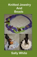 Knitted Jewelry And Beads